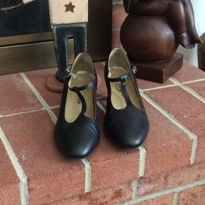 Dance Shoes 7.5M Leather.